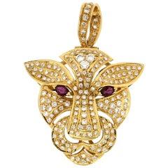 Handcraft Cougar 18 Karat Yellow Gold Diamonds Pendant Necklace