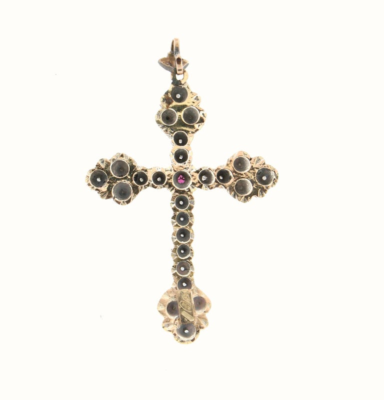 Handcraft Cross 14 Karat Yellow Gold Diamonds Pendant Necklace For Sale 2