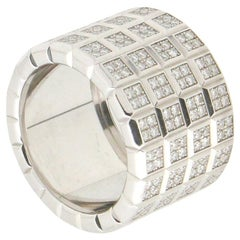 Handcraft Diamonds 18 Karat White Gold Band Ring