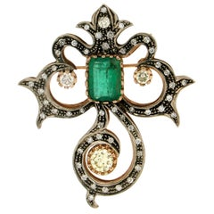 Handcraft Emerald 14 Karat Yellow Gold and Silver Diamonds Brooch