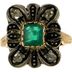 Handcraft Emerald 14 Karat Yellow Gold and Silver Diamonds Cocktail Ring