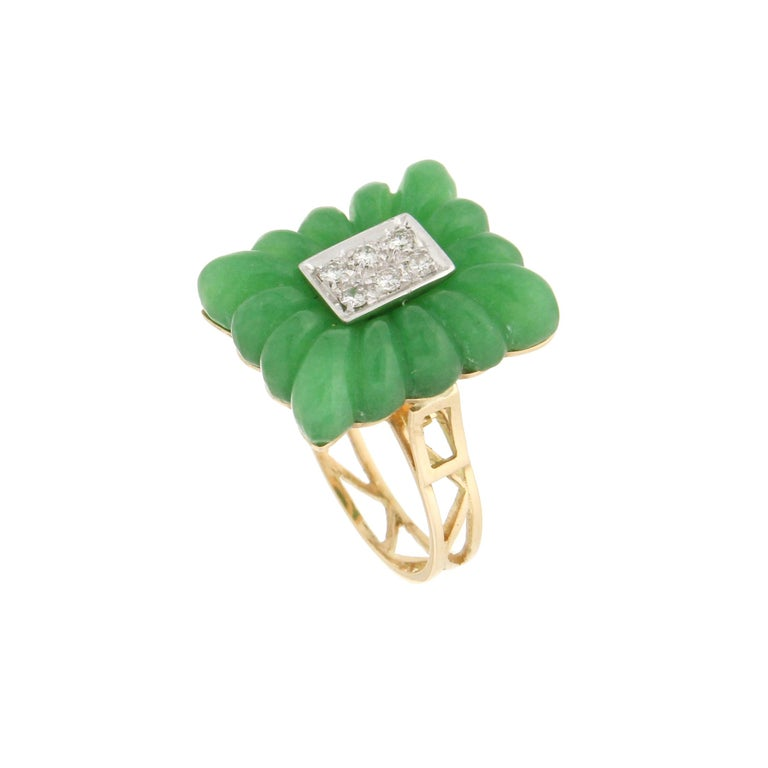 Artisan Handcraft Green Agate 18 Karat Yellow Gold Diamonds Cocktail Ring For Sale