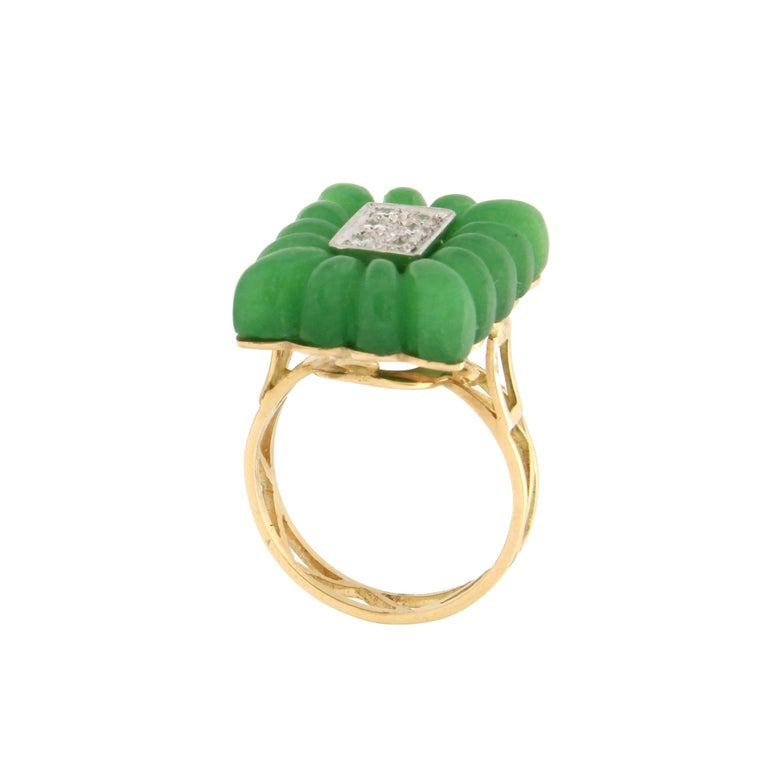 Women's or Men's Handcraft Green Agate 18 Karat Yellow Gold Diamonds Cocktail Ring For Sale
