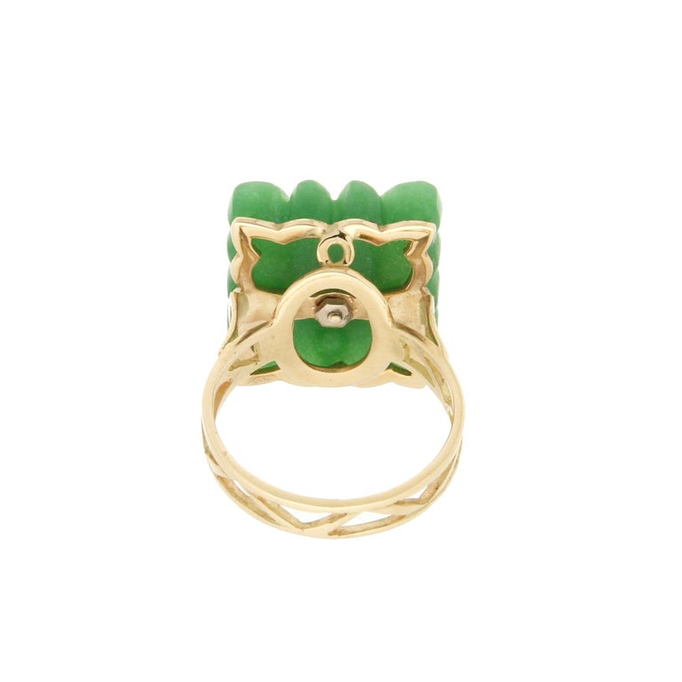 Handcraft Green Agate 18 Karat Yellow Gold Diamonds Cocktail Ring For Sale 1