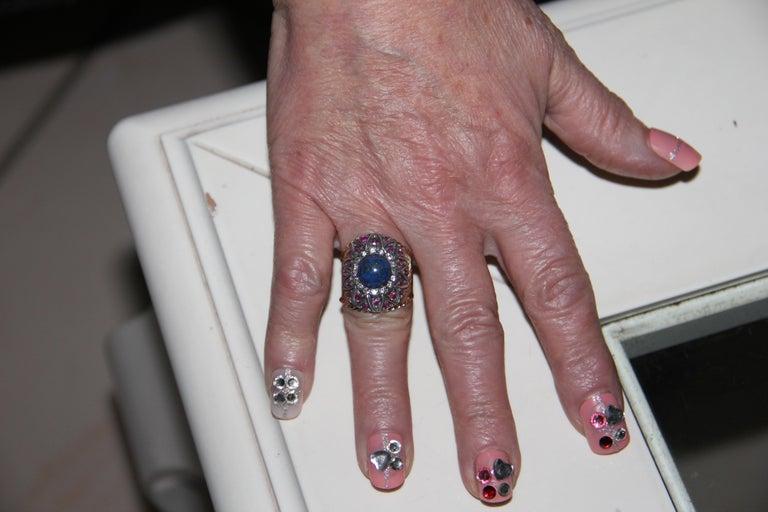Handcraft Lapis Lazuli 14 Karat Yellow Gold Diamonds Ruby Cocktail Ring For Sale 2