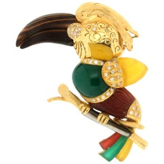 Handcraft Parrot 18 Karat Yellow Gold Diamonds Brooch