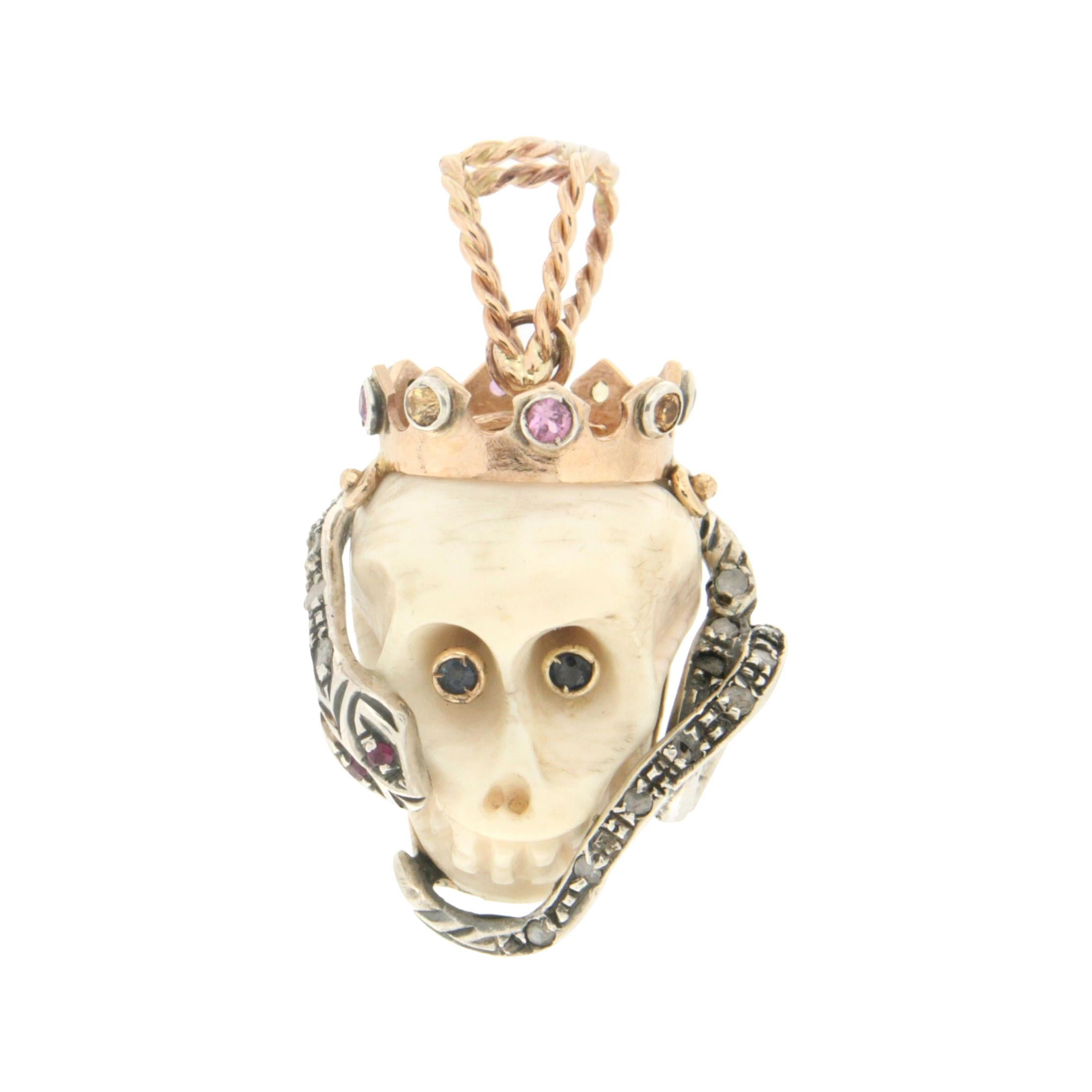 Handcraft Skull 14 Karat Yellow Gold Diamonds Pendant Necklace