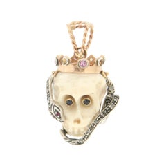 Handcraft Skull 14 Karat Yellow Gold Diamonds Pendant Necklace
