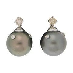 Handcraft Tahiti Pearls 18 Karat White Gold Diamonds Stud Earrings