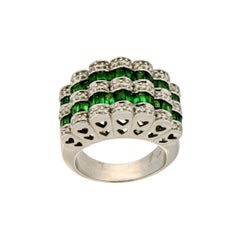 Handcraft Tsavorite 18 Karat White Gold Diamonds Cocktail Ring