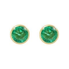 Handcrafted 2.00 Carats Emerald 18 Karat Yellow Gold Stud Earrings