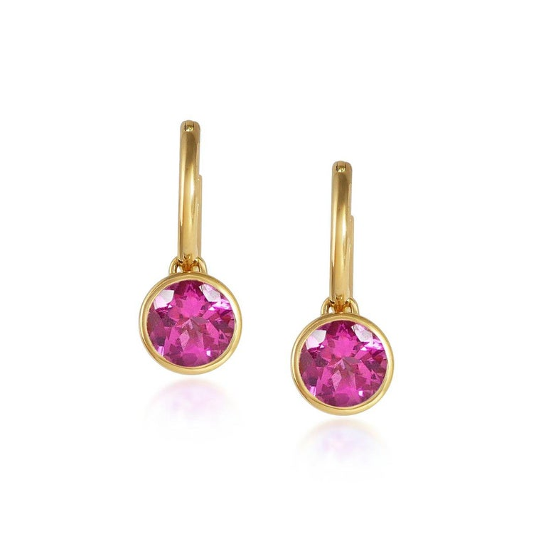 Round Cut Handcrafted 2.60 Carats Pink Tourmaline 18 Karat Yellow Gold Drop Earrings For Sale