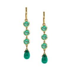 Handcrafted 1.35 Carats Emerald 18 Karat Yellow Gold Drop Earrings