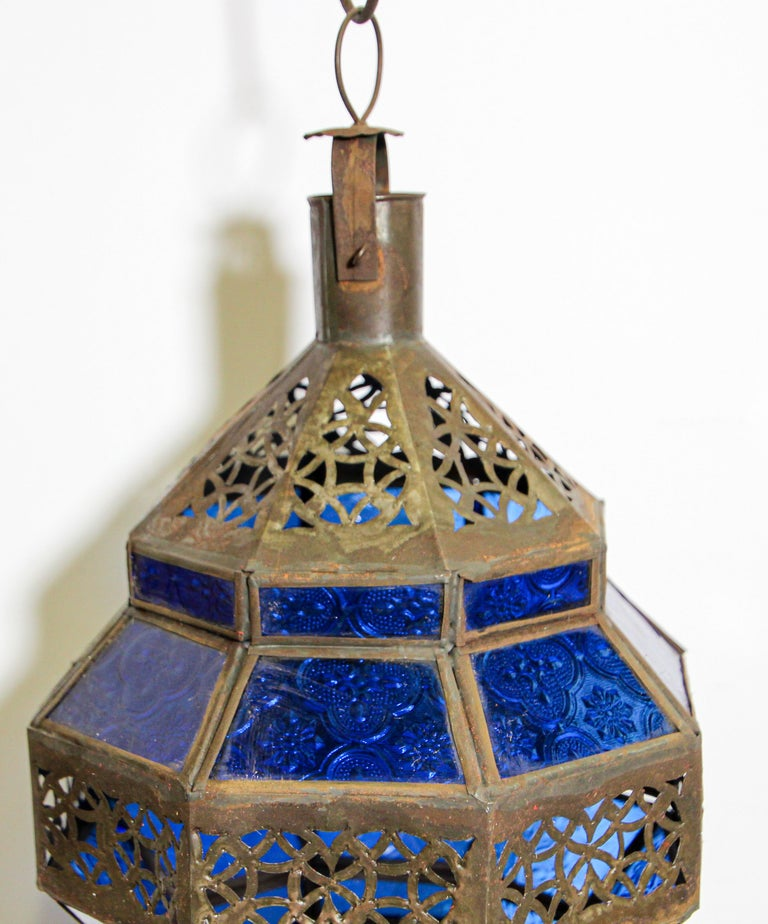 Handcrafted Moroccan Blue Glass Lantern, Metal Octagonal Diamond Shape For Sale 1