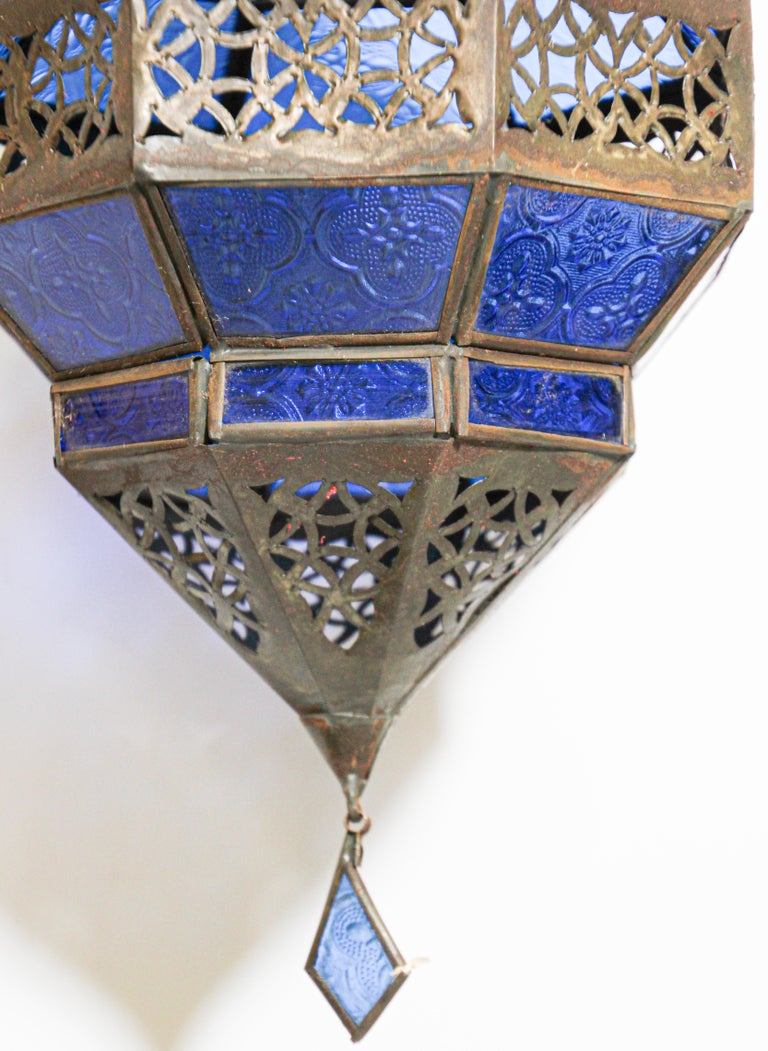 Handcrafted Moroccan Blue Glass Lantern, Metal Octagonal Diamond Shape For Sale 3