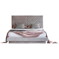 Handcrafted Savoir Stella and Nº4 Bed Set, Queen Size