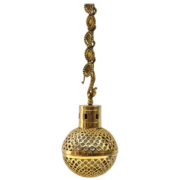 Handing Pendant Lamp in Solid Brass For Sale