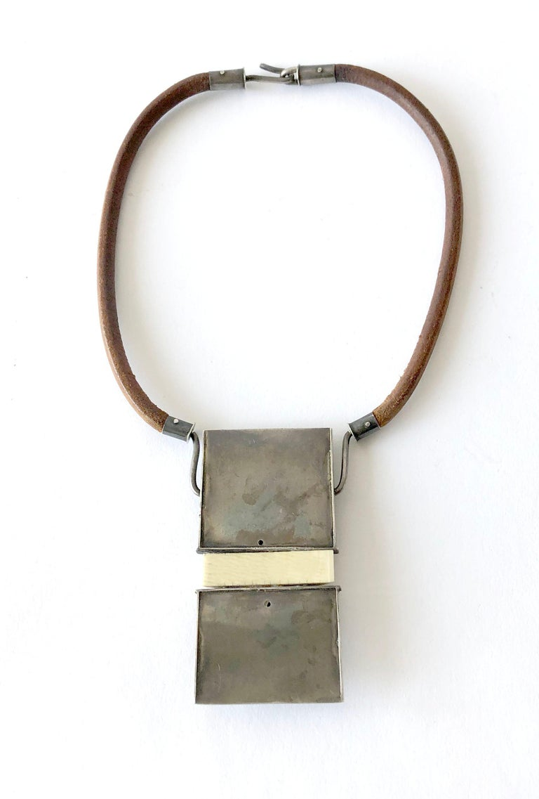 Handmade 1970s Organic Modernist Silver Pendant on Leather Hippie Necklace In Good Condition For Sale In Los Angeles, CA