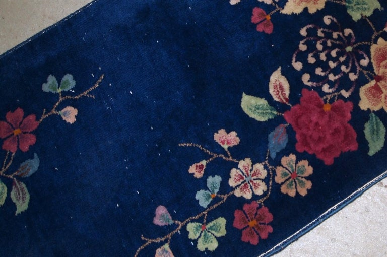 Handmade Antique Art Deco Chinese Rug, 1920s, 1B763 In Fair Condition For Sale In Bordeaux, FR