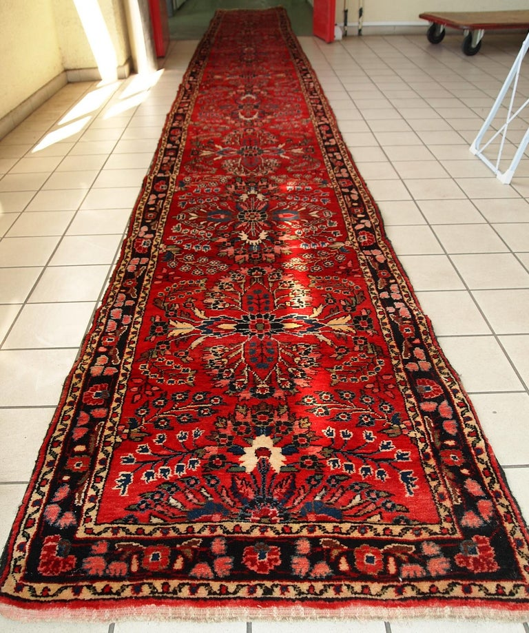 Handmade Antique Lilihan Style runner, 1910s, 1C452 In Fair Condition For Sale In Bordeaux, FR