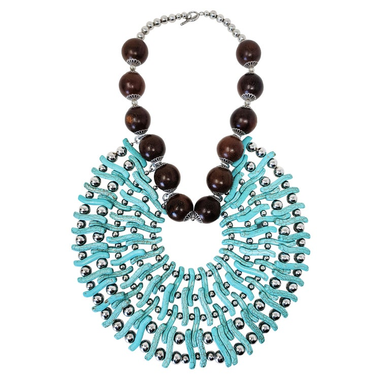 Contemporary Zuri Perle Handmade Apeere Wood and Howlite Necklace Necklace For Sale