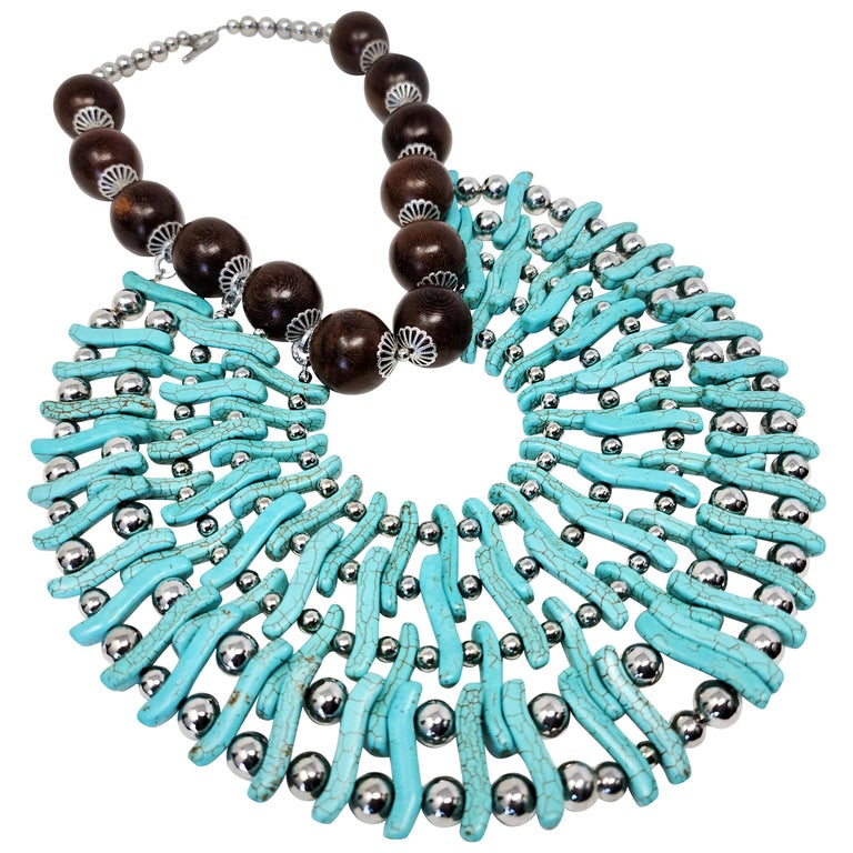 Zuri Perle Handmade Apeere Wood and Howlite Necklace Necklace For Sale