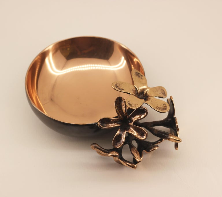 Handmade Cast Bronze Bowl with Flowers, Vide-Poche For Sale 3