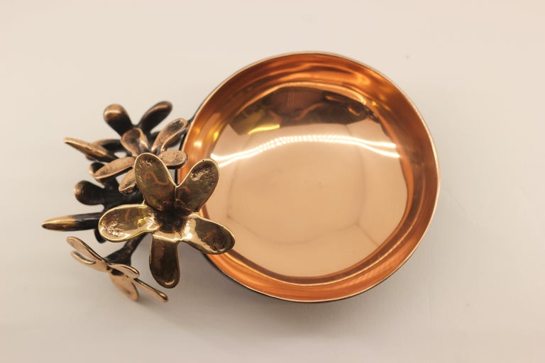 Handmade Cast Bronze Bowl with Flowers, Vide-Poche For Sale 2