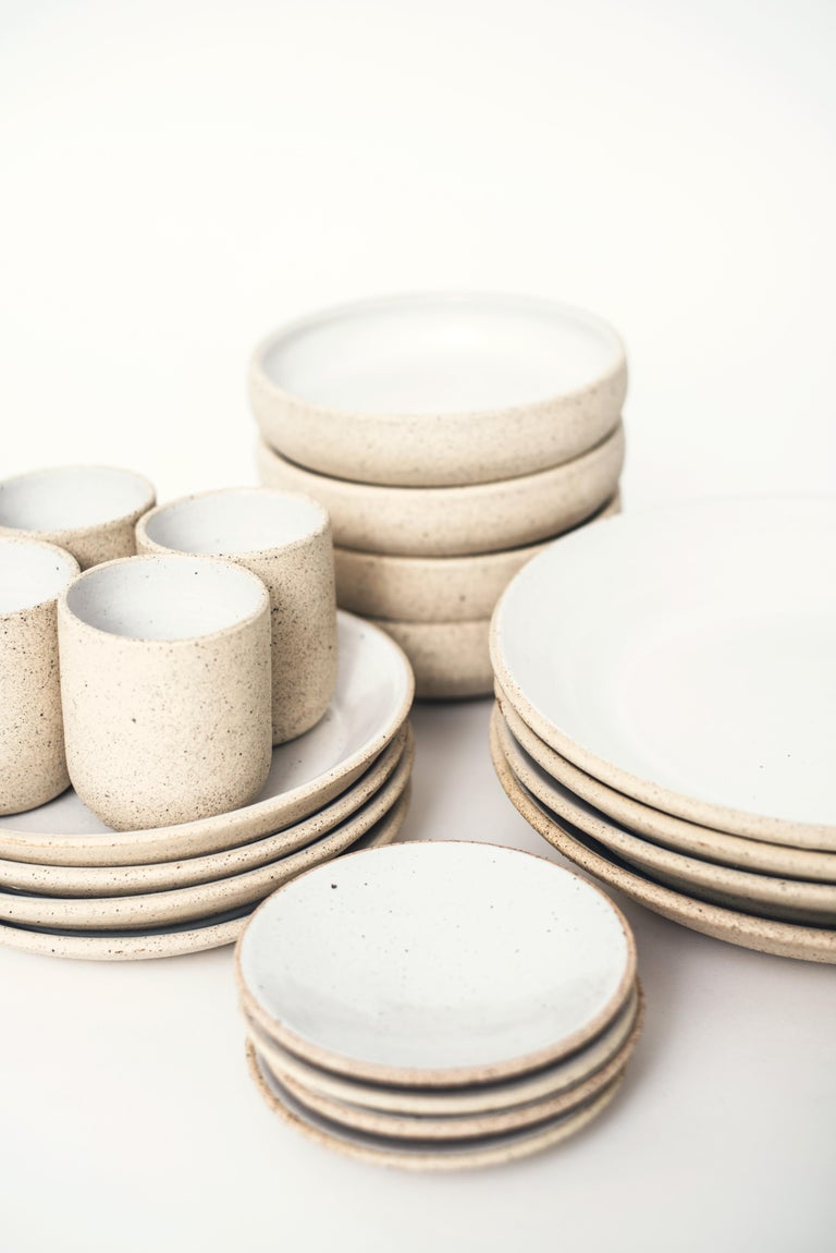 Handmade Ceramic Stoneware 4 Piece Place Setting in Ivory and Natural In New Condition For Sale In West Hollywood, CA