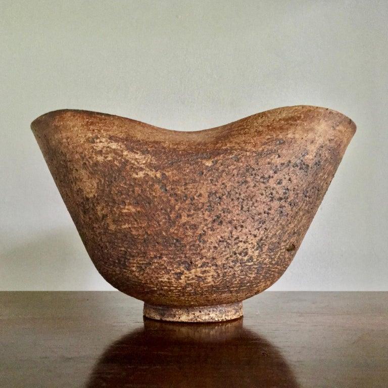 English Handmade Ceramic Vessel by Waistel Cooper, England, 20th Century For Sale