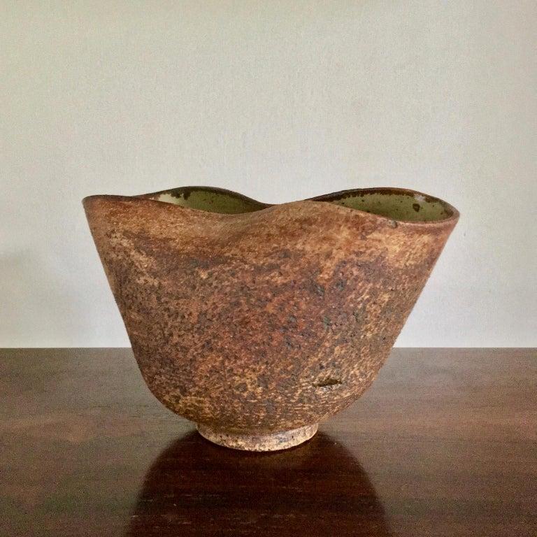 Handmade Ceramic Vessel by Waistel Cooper, England, 20th Century For Sale 4
