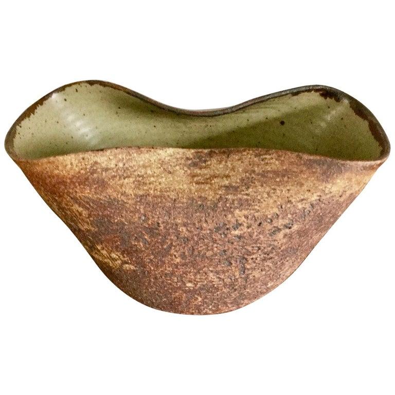 Handmade Ceramic Vessel by Waistel Cooper, England, 20th Century For Sale