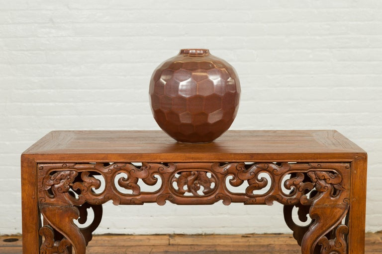 Contemporary Handmade Chiang Mai Northern Thai Ceramic Vase with Faceted Tortoise Pattern For Sale