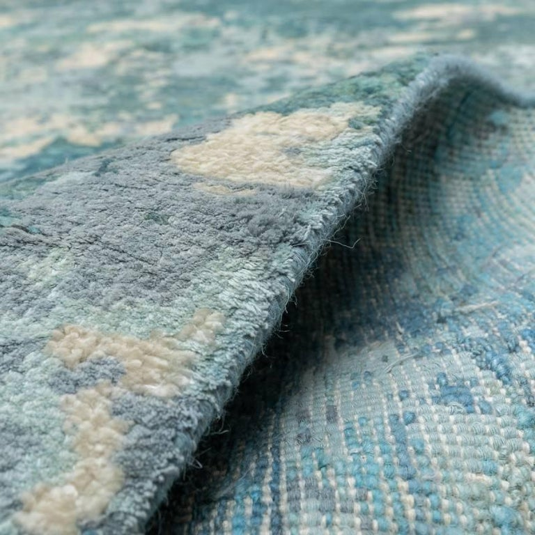 Handmade Contemporary Handmade Rug in Silk and Wool For Sale 6