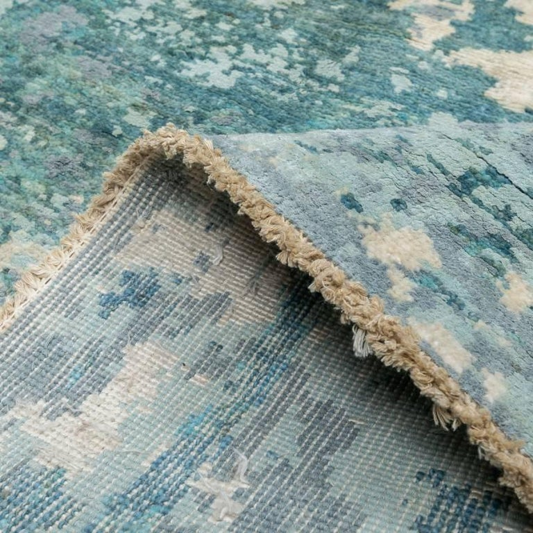 Handmade Contemporary Handmade Rug in Silk and Wool For Sale 9