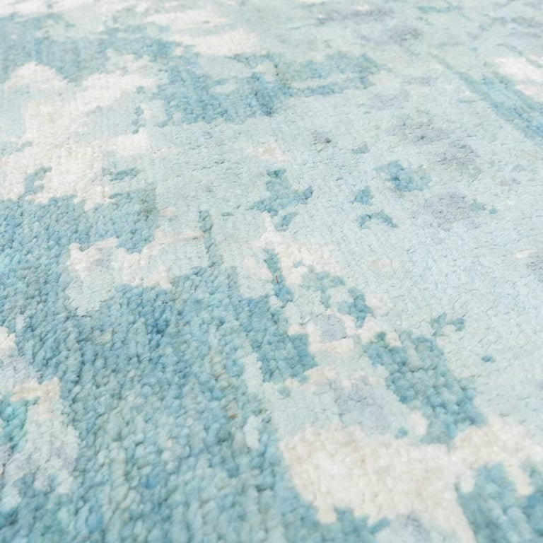 Handmade Contemporary Handmade Rug in Silk and Wool For Sale 4