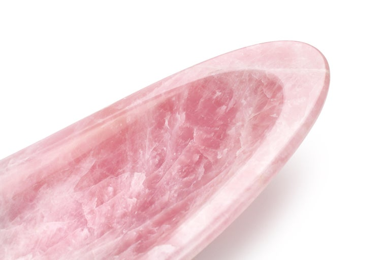Handmade Decorative Luxurious Bowl Sculpture in Rose Quartz by Pieruga, Italy For Sale 3