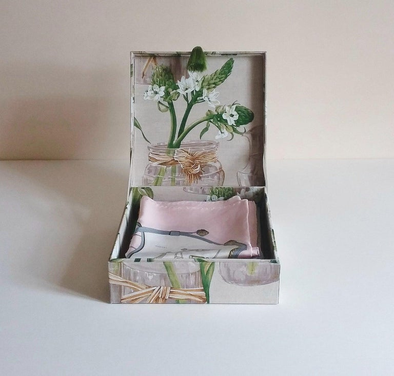 Handmade Decorative Storage Box for Scarves Linen Fabric by Manuel Canovas For Sale 3