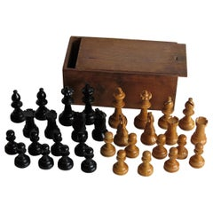 Handmade Hardwood Weighted Club Chess Set in Pine Jointed Box, Kings