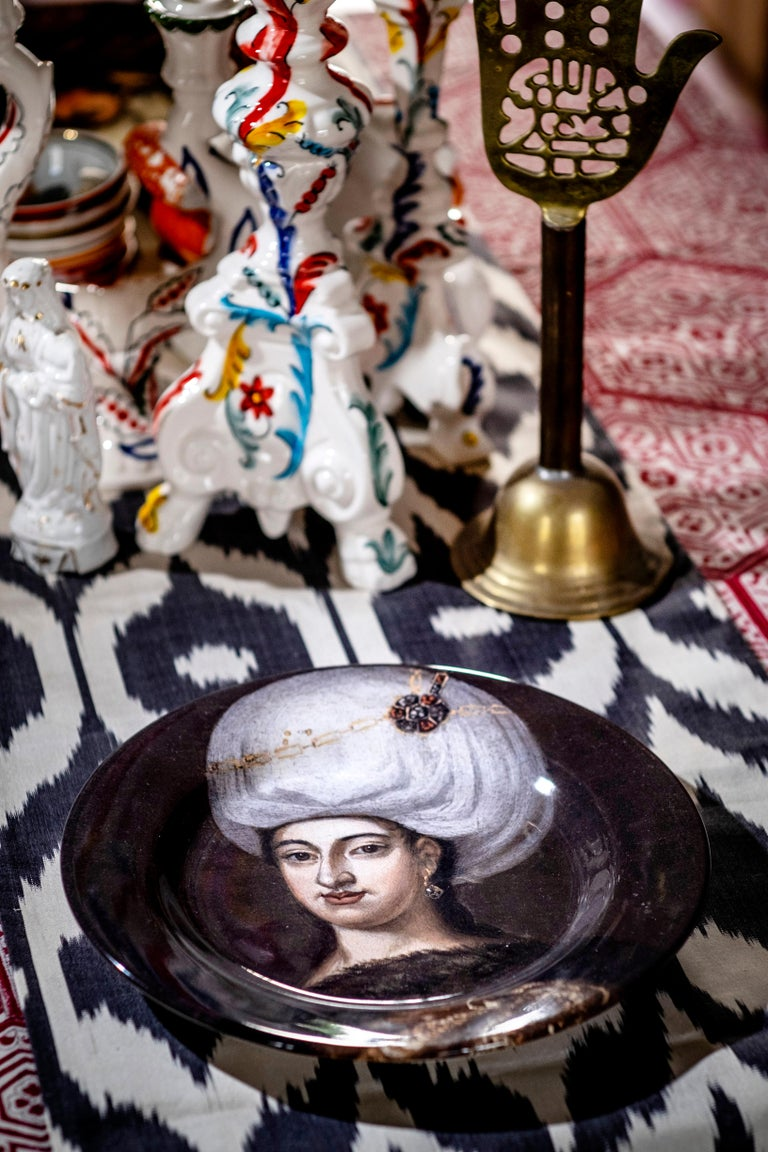 Following the path of the Ottoman history here is the portrait of an Ottoman woman on a ceramic plate.  The elegance and the allure of the Empire is very well captured in this portrait and could be easily translated to your tables Handmade in