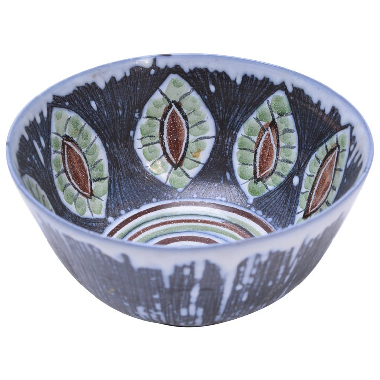 Handmade Swedish Mid-Century Modern Ceramic bowl by Alingsås Ceramic For Sale