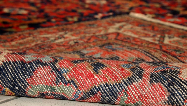 Handmade Vintage Malayer Style Runner, 1920s, 1C323 For Sale 1