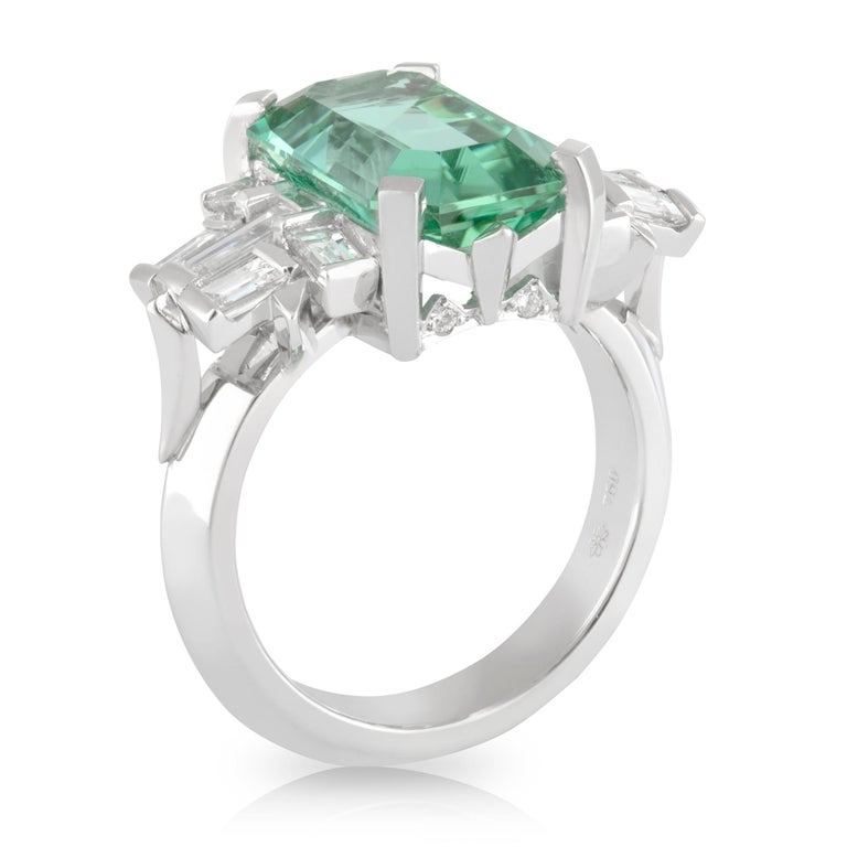 Handmade White Gold Mint Tourmaline and Baguette Diamond Geometric Ring In New Condition For Sale In Brisbane, QLD