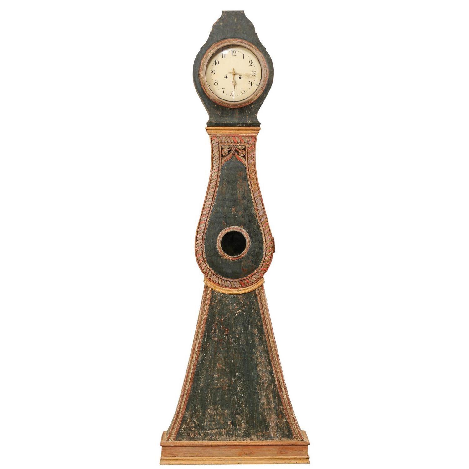 Handsome 19th Century Painted Wood Northern Sweden Floor Clock, circa 1820s
