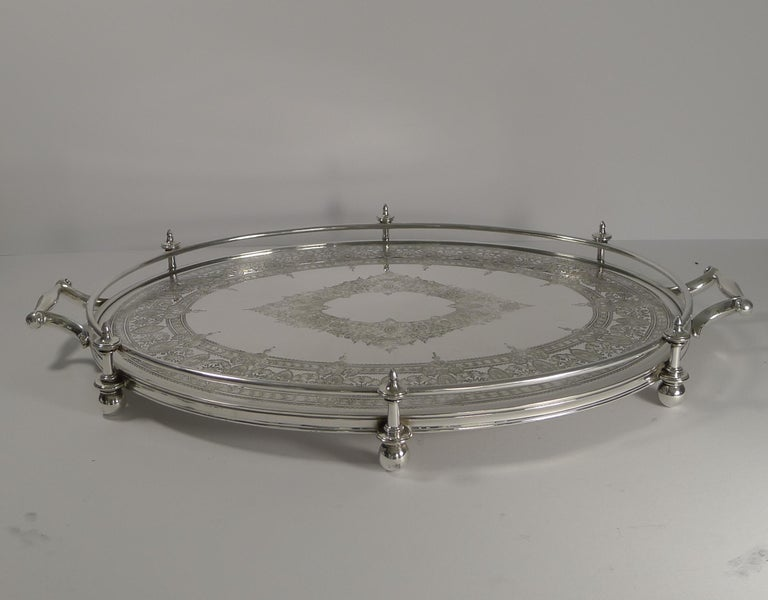Handsome Antique English Silver Plated Serving Tray, circa 1890 In Good Condition For Sale In London, GB