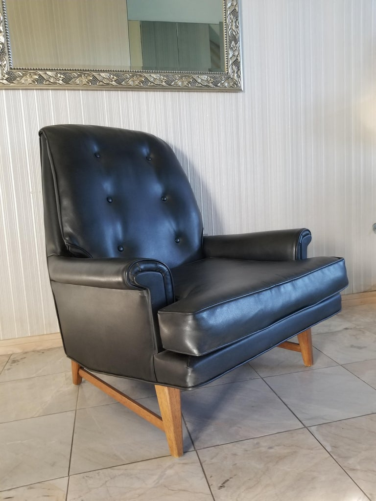 Mid-Century Modern Handsome Heritage Black Leather Lounge Tufted Chair Ed Wormley Dunbar Era, 1950s For Sale