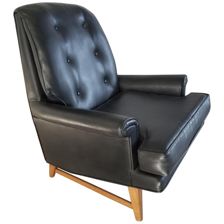 Handsome Heritage Black Leather Lounge Tufted Chair Ed Wormley Dunbar Era, 1950s For Sale