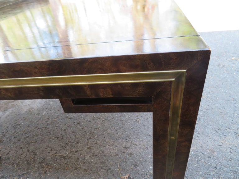 Handsome Mastercraft Amboyna Burl and Brass Parsons Leg Dining Table Midcentury For Sale 4