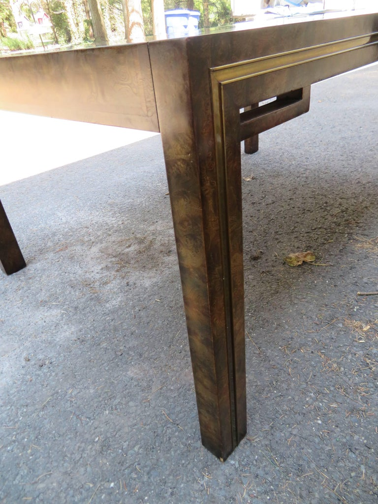 Handsome Mastercraft Amboyna Burl and Brass Parsons Leg Dining Table Midcentury For Sale 5