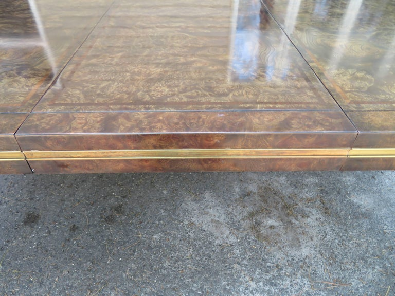 Handsome Mastercraft Amboyna Burl and Brass Parsons Leg Dining Table Midcentury In Good Condition For Sale In Pemberton, NJ